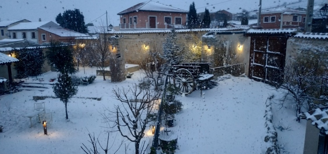 Snow day in Ampudia. Beautifull sights from our inn. Visit us!